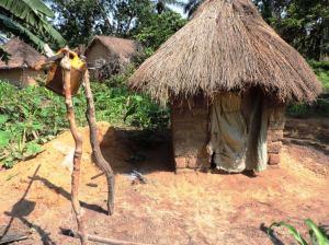 Latrines hygiéniques, et son dispositif de lavage des mains, Province:  Kasai Central